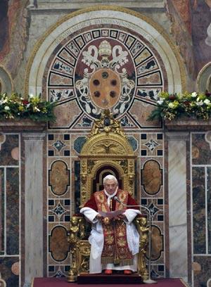 Benedicto XVI durante la tradicional audiencia de comienzo de año.  Efe