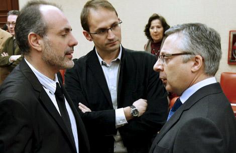 De izquierda a derecha, Ridao, Herrera y Blanco, en el Congreso.   Efe
