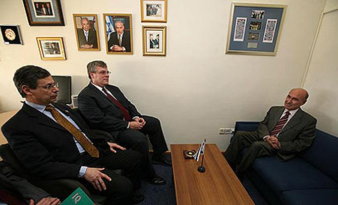 La polémica reunión del viceministro israelí de Exteriores con el embajador turco.