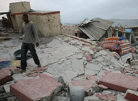 Fotos de la catástrofe colgadas por Lisandro Suero en Twitter.