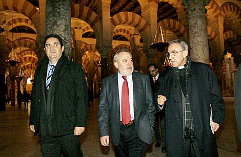 El alcalde, Andrés Ocaña, y el presidente del Cabildo, Manuel Pérez Moya.   Madero Cubero