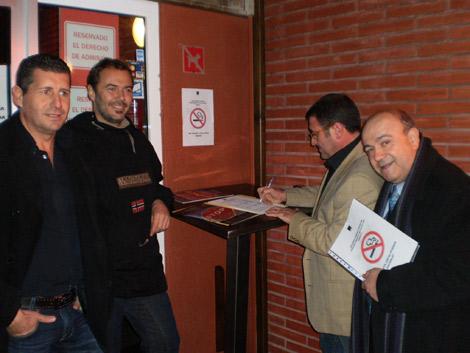 Acto de inicio de la campaña en Castelldefels.
