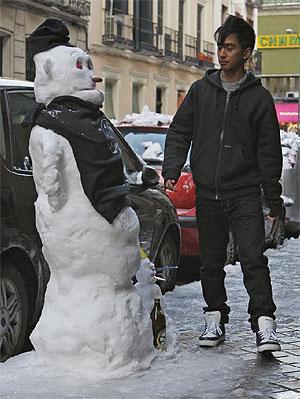 En Chamberí, hasta los muñecos de nieve tienen donde tomarse una cervecita... (K. Rodrigo)