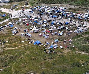 Campamentos improvisados en Haití tras el terremoto. | R. Ferreira