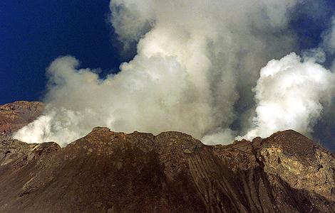 Cráter del volcán Popocatepetl en la localidad de San Pedro Estado (México). | Reuters