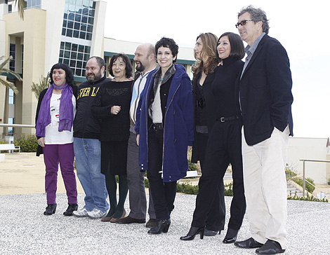 Albaladejo, junto a su equipo y a la directora de Ciudad de la Luz, Elsa Martínez. | Roberto Pérez