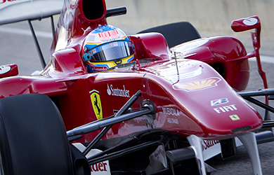 Alonso, a bordo de su Ferrari. | Alberto di Lolli