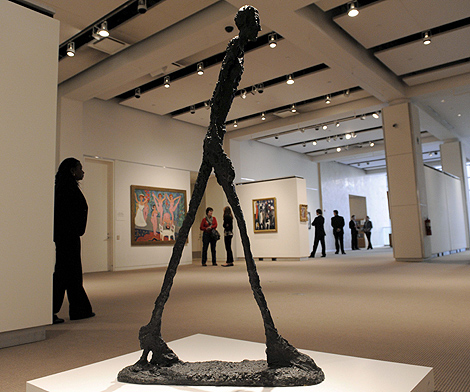 'El hombre que camina', de Alberto Giacometti. | Efe