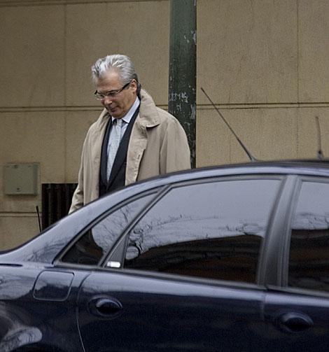 El juez Baltasar Garzón, a la salida de la Audiencia Nacional.   Roberto Cárdenas