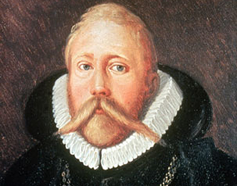 Tycho Brahe está enterrado en Praga.