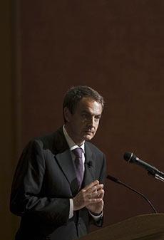 Zapatero, durante el Desayuno Nacional de Oración en EEUU. | Efe