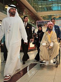 El robot, en el aeropuerto de Dubai.| Efe