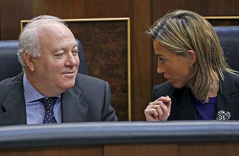 Moratinos y Chacón, en el Congreso.   Efe