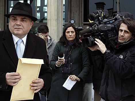 Gonçalo Amaral, a la salida de los juzgados, hoy en Lisboa.| Reuters
