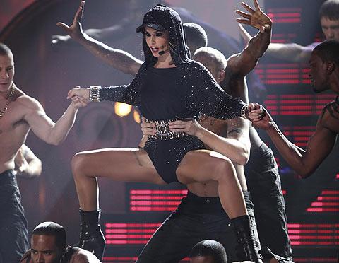 Actuación de Cheryl Cole en la última gala de los Brit Awards. | Foto: AP