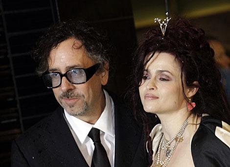 El director Tim Burton y su esposa Helena Bonham Carter. | AP