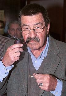 El escritor alemán Günter Grass