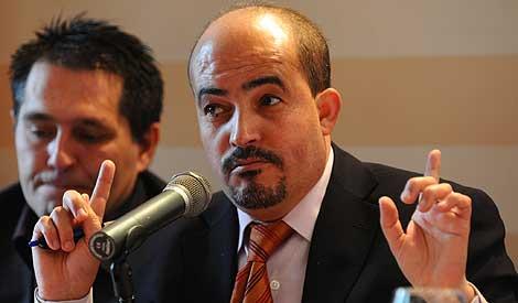 El presidente de PRUNE, Mustafá Bakkach, en Granada. | Jesús García.
