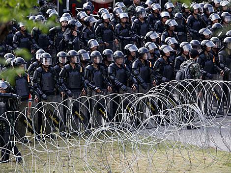 El Ejército se ha desplegado en las calles de Bangkok. | Reuters