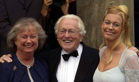 Wolfgang Wagner, con su mujer y su hija y heredera Katharina. | AP