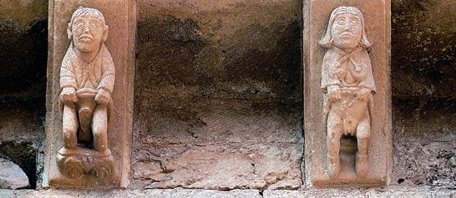 Imágenes de un hombre y una mujer exhibiendo sus miembros sexuales. | Archico de la Fundación Santa María la Real