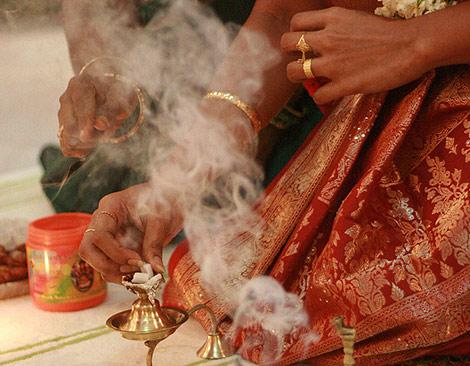 Un momento de una boda india.   Ted Ollikkala