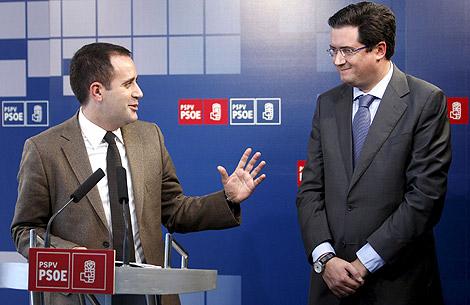 Jorge Alarte, junto a su homólogo en Castilla y León, Óscar López. | Efe
