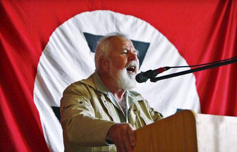 El líder Eugene Terreblanche, asesinado en su casa.| Efe|