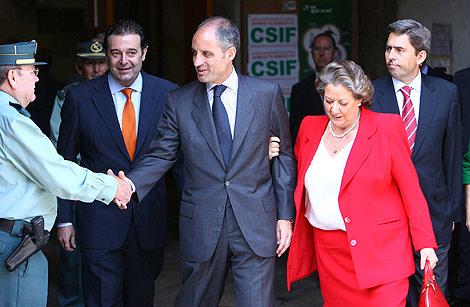 Francisco Camps, tras declarar en el TSJ, junto a Camps, Rambla y Barberá. | V. Bosch