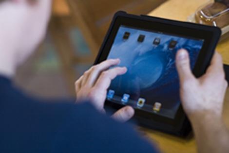 El iPad de Apple saldrá a la venta en España a finales de abril.   AFP