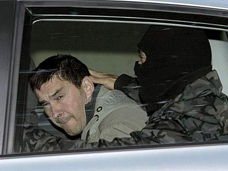 Arnaldo Otegi cuando ingresó en prisión el pasado mes de octubre.   Efe