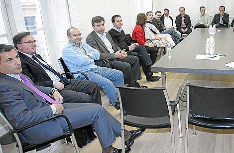 Jorge Sainz de Baranda, primero por la izquierda, es miembro de la Ejecutiva del PP | Jordi Avellà
