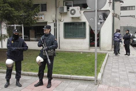 Varios agentes apostados durante la operación. | I. L. Murillo