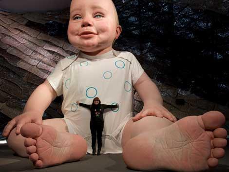 La cineasta, Isabel Coixet presentando a su 'bebé', Miguelín. | Charlie Xia / SEEI