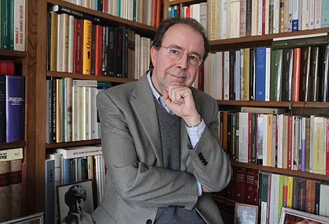 Pedro Álvarez de Miranda, en su casa en Madrid. | José Aymá