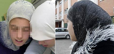 Las jóvenes de origen marroquí Fatima (izq) y Najwa con su velo.