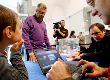 Girona es una de las grandes ciudades que hoy acoge una de las consultas | Efe