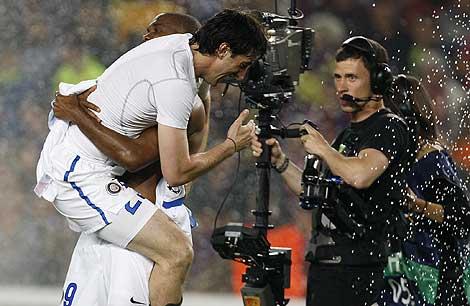 Un jugador del Milan celebra el pase a la final. | Ap