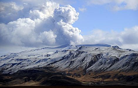 Una de las últimas imágenes del volcán Eyjafjalla.   AFP