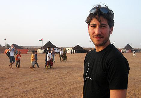 Alberto Ammann en el campo de refugiados de Dajla. | R. Q.