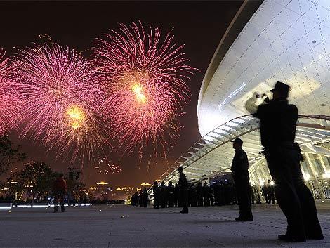 Fuegos artificiales tras la ceremonia de inauguración. | Reuters
