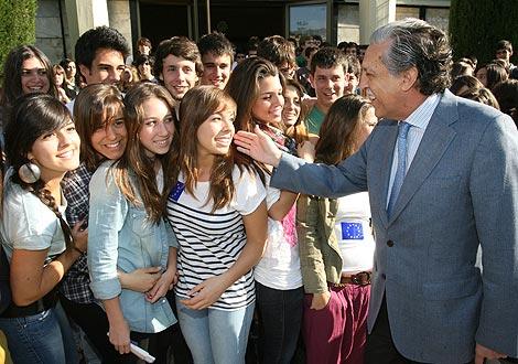 Diego López Garrido en la conferencia sobre Europa en su antiguo colegio madrileño de El Pilar. | Foto: Alberto Cuellar