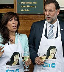 Rajoy, en una sardinada en Barcelona. | Efe