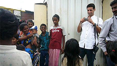 Nacho Fresneda, en una pausa del rodaje en India.