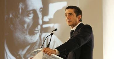 Patxi López, durante su intervención en el homenaje.   Mitxi