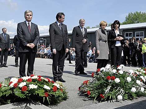Acto en Mauthausen en el 65º aniversario de su liberación.   Ap