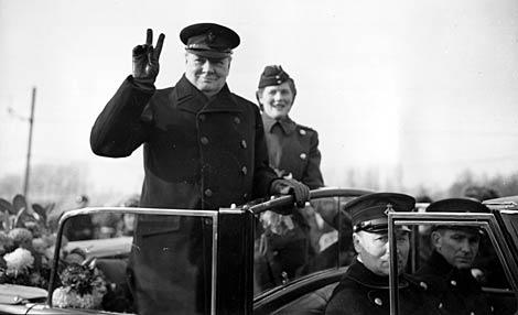 Winston Churchill, a su paso por Amberes durante la II Guerra Mundial.   AP
