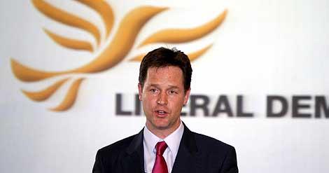 El líder de los liberales, en rueda de prensa. | Reuters