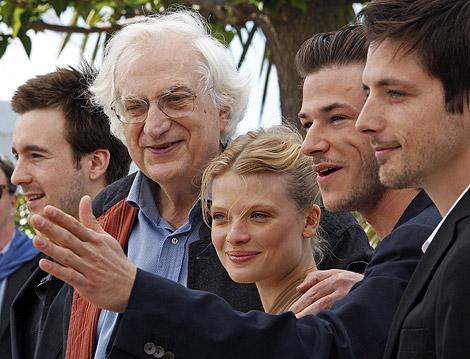 Bertrand Tavernier, con los actores de 'La princesa de Montpensier'. | Reuters
