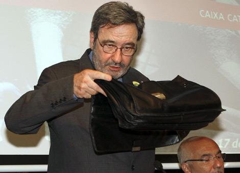 Narcís Serra, momentos antes de la junta de la entidad.   Efe